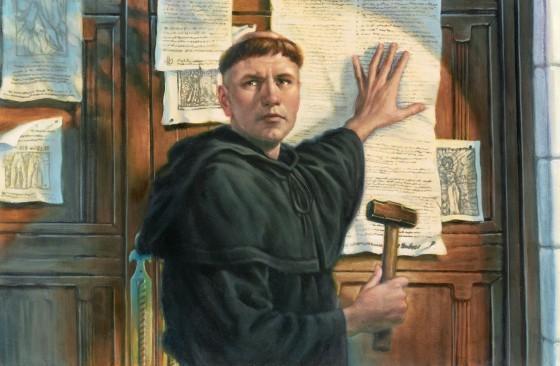 Resultado de imagem para lutero prega suas teses na porta da igreja